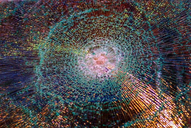 Fenêtre avec le verre brisé images libres de droits