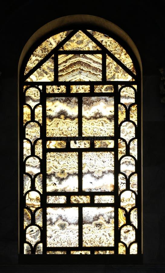 Fenêtre d'albâtre, basilique de saint Paul Outside les murs, Rome photographie stock libre de droits