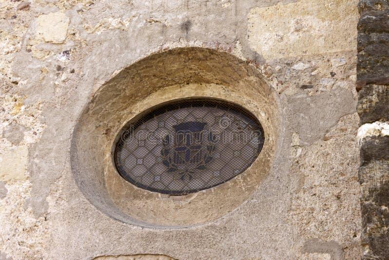 Fenêtre d'Oculus dans le monastère de Sant Cugat images stock
