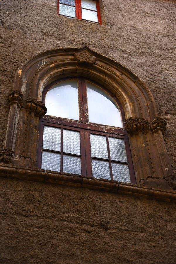 Fenêtre dans les rues étroites de la vieille ville de Sorrente Italie image stock