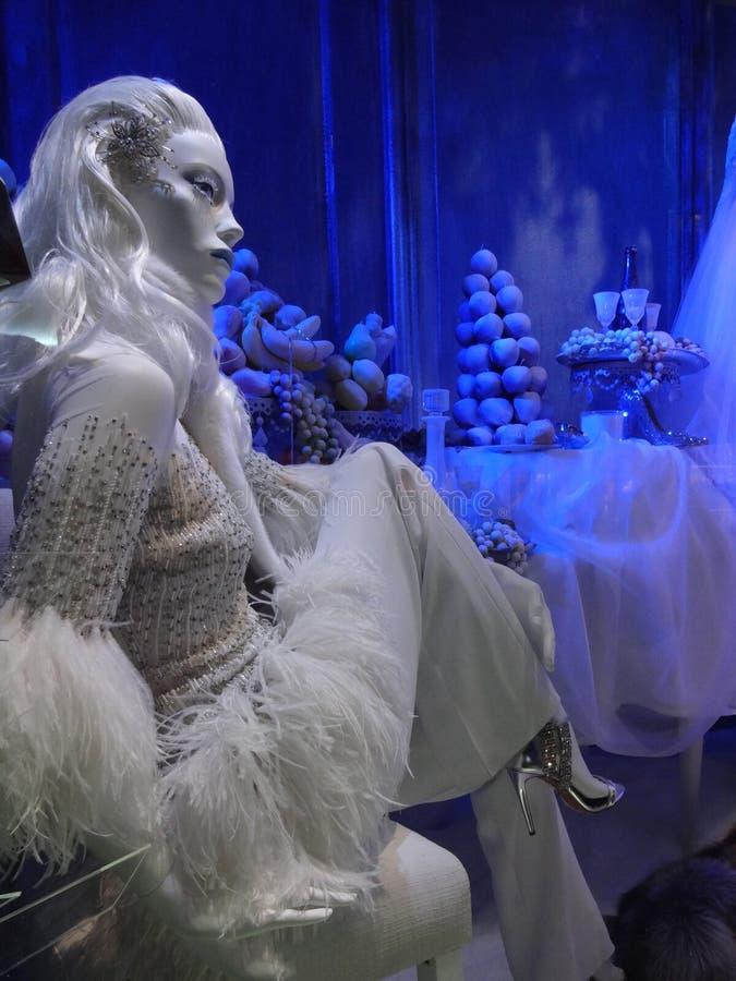 Fenêtre de vacances de Saks Fifth Avenue à New York City photos libres de droits