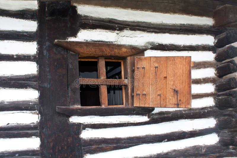 Fenêtre en bois photos stock