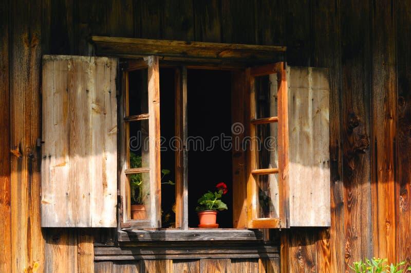 Fenêtre ouverte images stock