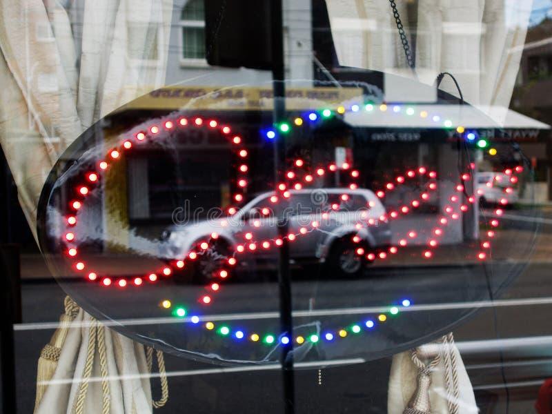 Fenêtre ouverte de boutique de connexion de néon images stock