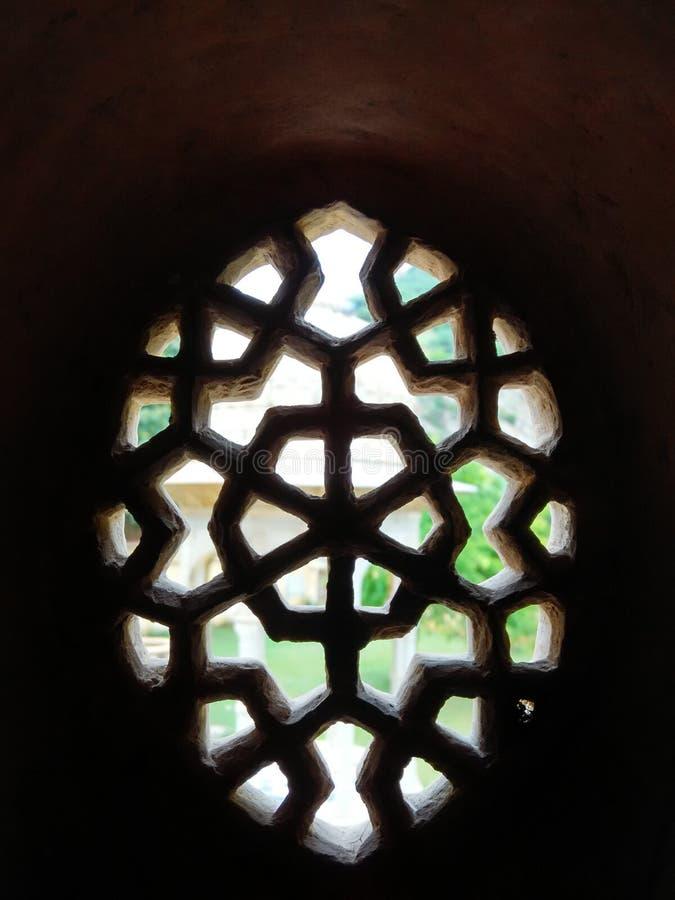Fenêtre traditionnelle à l'alligator Jaipur images libres de droits