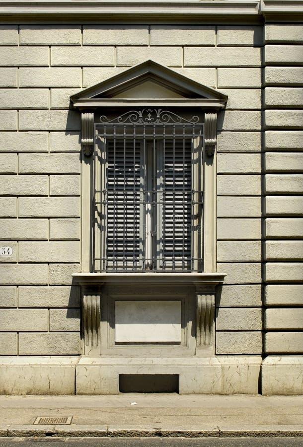 Fenêtre typique d'architecture florentine. Florence, Italie photo libre de droits