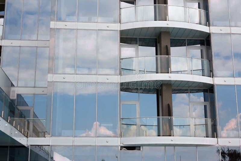 Fenêtres de gratte-ciel photos stock