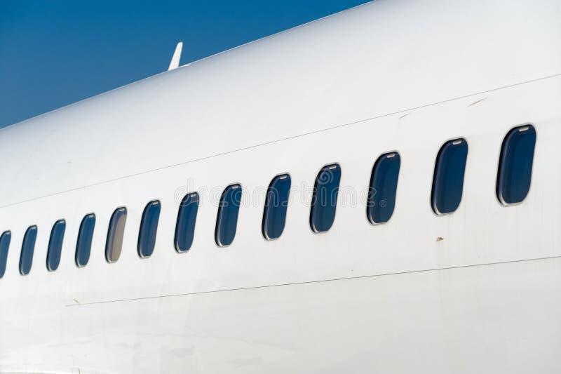 Fenêtres de ligne aérienne photographie stock