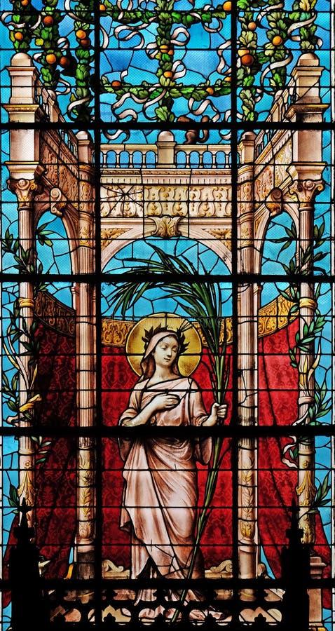Fenêtres en verre teinté dans le saint Gervais et le saint Protais Church, Paris images libres de droits