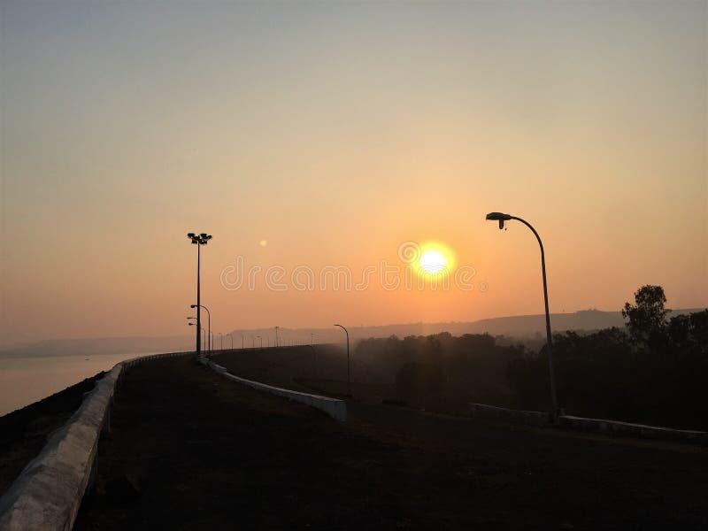 Fenómeno atmosférico, sol, desvío, camino lateral fotografía de archivo libre de regalías