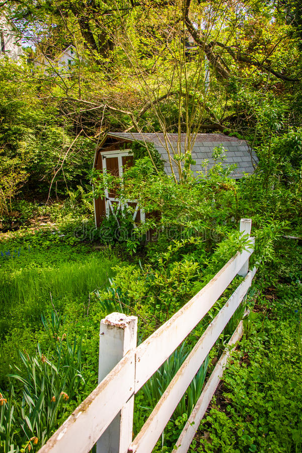 Free Fence And Old Shed In Ellicott City, Maryland. Stock Photos - 48420023