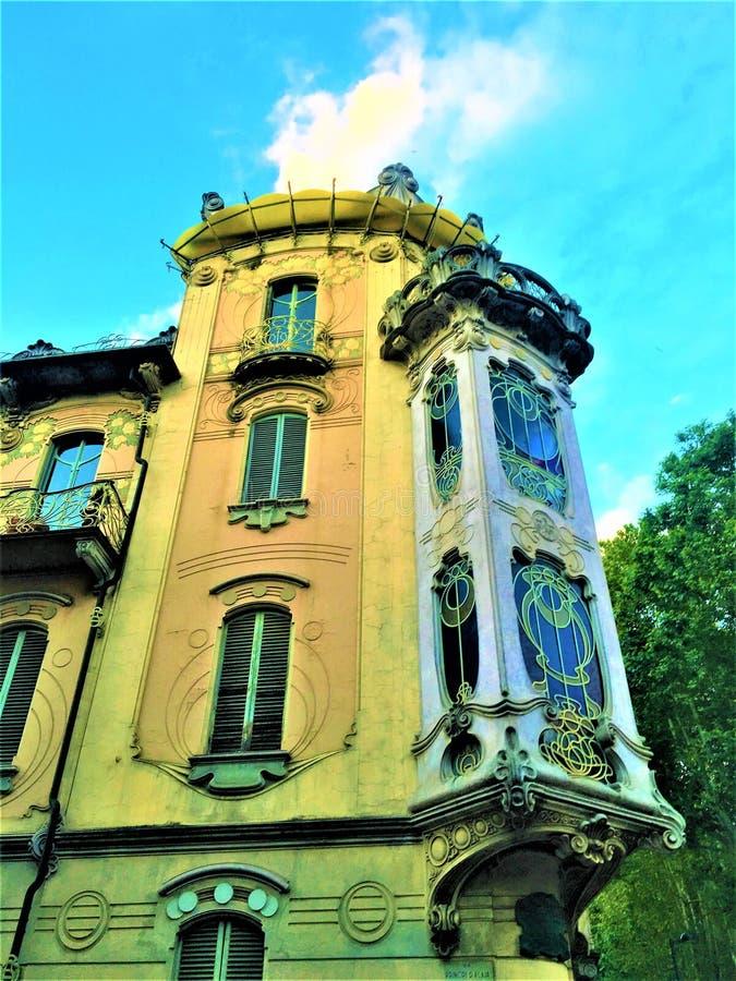 Fenoglio - Lafleur议院和新艺术主义样式在都灵市,意大利 免版税库存图片
