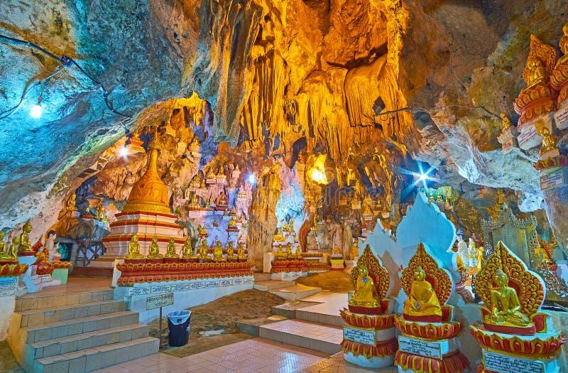 Fenomenalna Buddyjska świątynia w Pindaya jamie, Myanmar obrazy royalty free