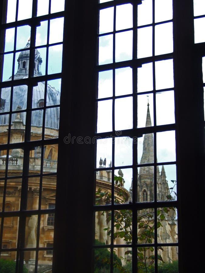 Fenster auf der Radcliffe Kamera stockbild