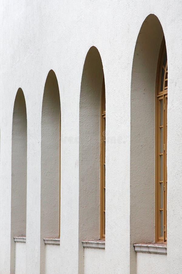 Fenster-Bögen stockfotografie