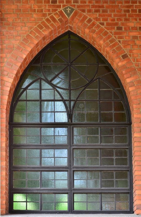 Fenster der Kirche stockbilder