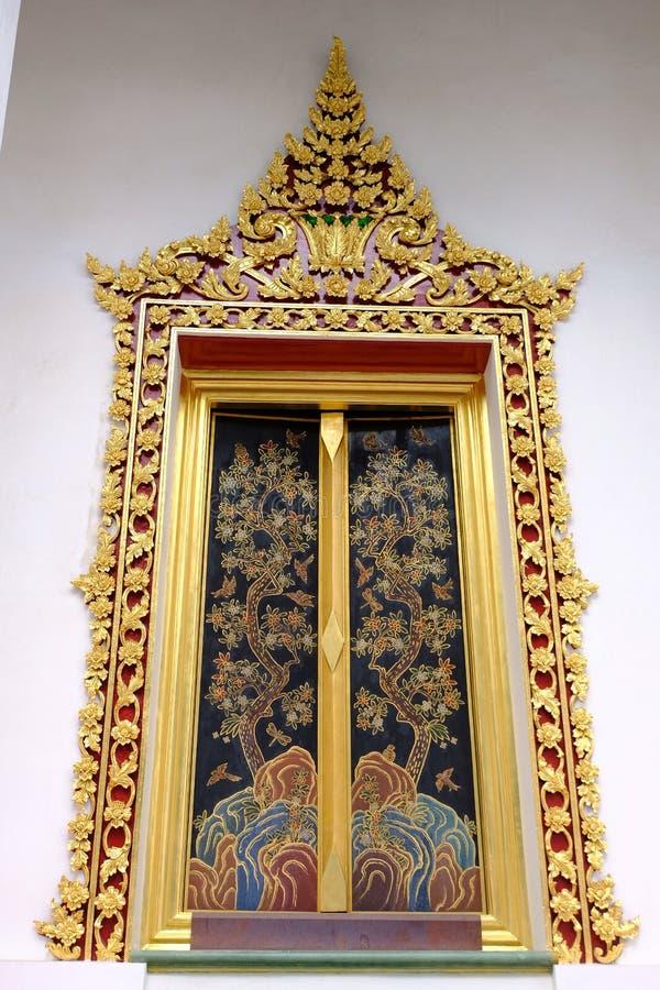 Fenster der thailändischen königlichen Klassifikation Hall von Nonthaburi lizenzfreies stockfoto