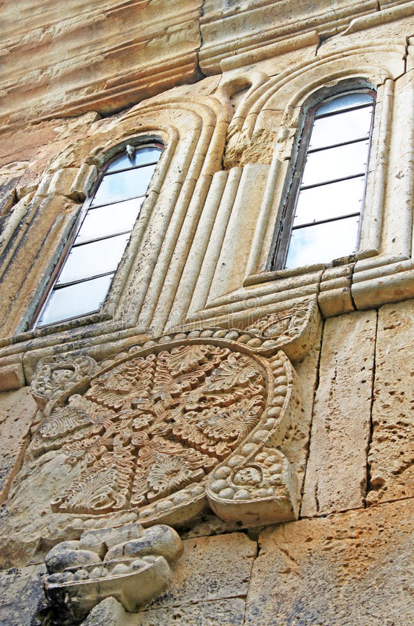 Fenster des alten orthodoxen Klosters Gelati nahe Kutaisi - Georgia stockfoto