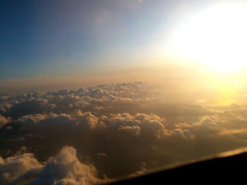 Fenster des Flugzeuges lizenzfreies stockfoto