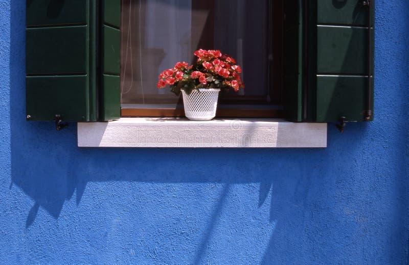 Fenster in Italien lizenzfreie stockfotografie