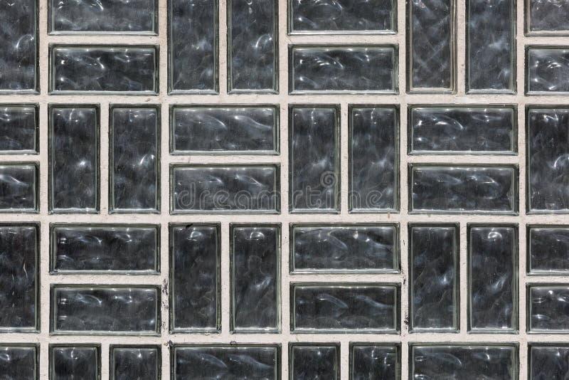 Fenster Aus Glasbausteinen fenster mit schmutzigen glasbausteinen stockbild bild struktur