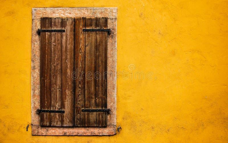 Fenster, Trento Italien stockfotos