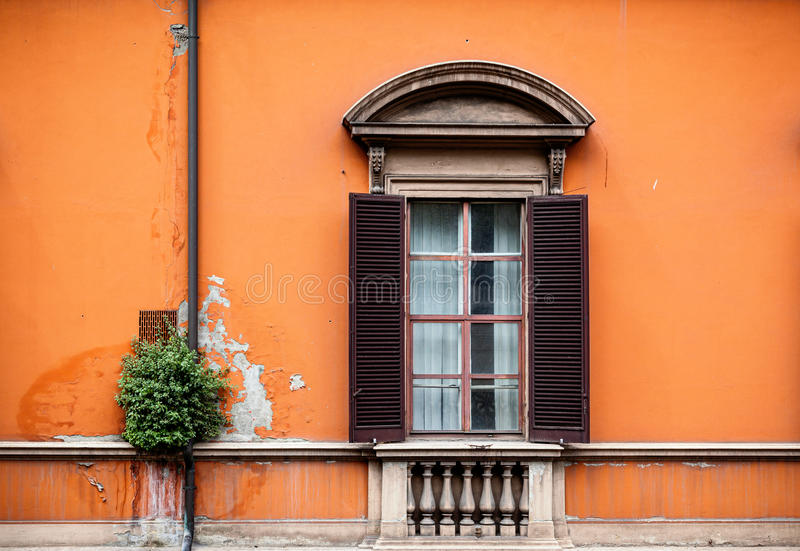 Fensterfensterladen stockfoto