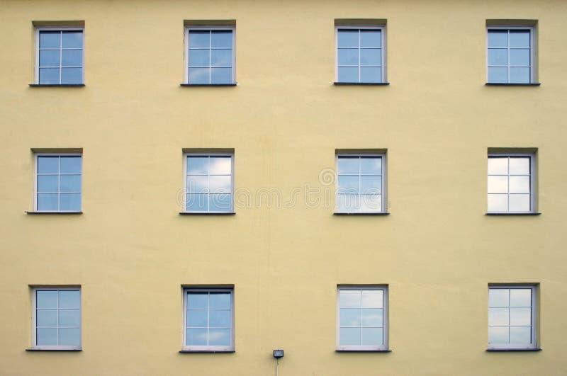 Fensterreihe stockbild