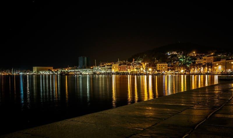 Fente la nuit, Croatie images libres de droits
