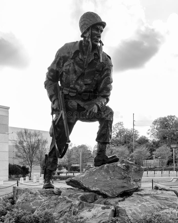 Fer Mike Statue, Fayetteville NC-12 Janurary 2012 : Consacré aux soldats de WWII images stock
