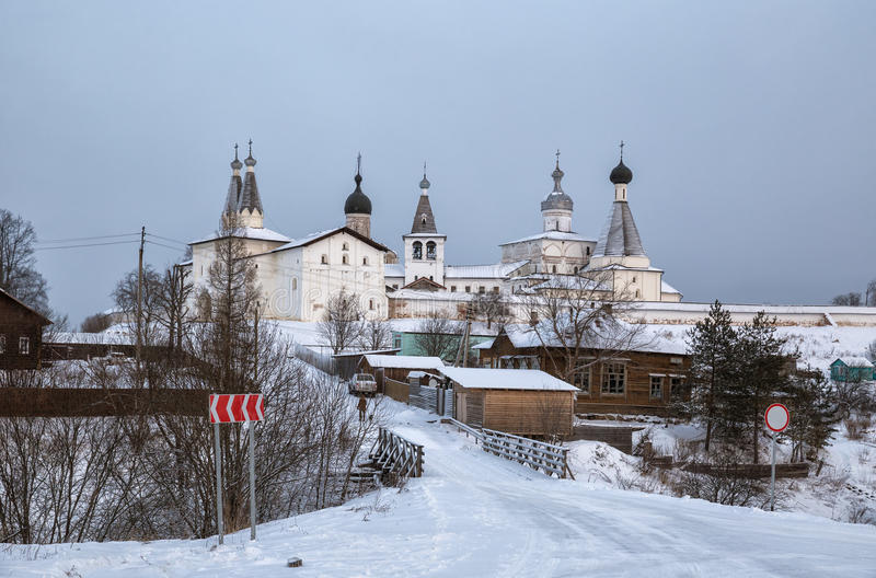 Ferapontov-Kloster im Winter lizenzfreie stockfotografie
