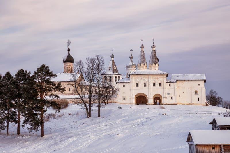 Ferapontov-Kloster am Wintertag lizenzfreie stockfotos