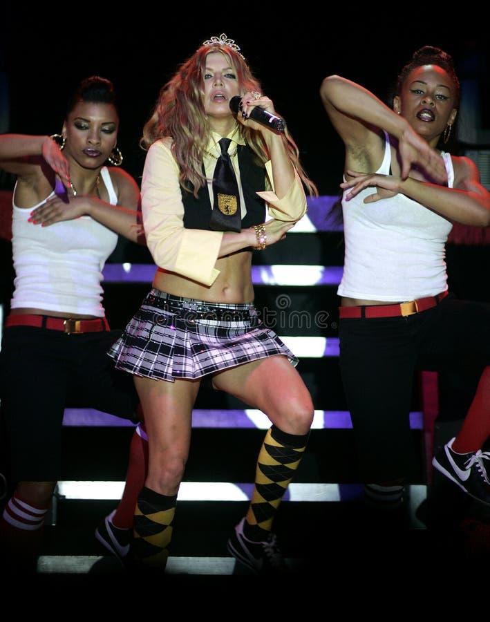 Fergie выполняет в концерте стоковое фото rf