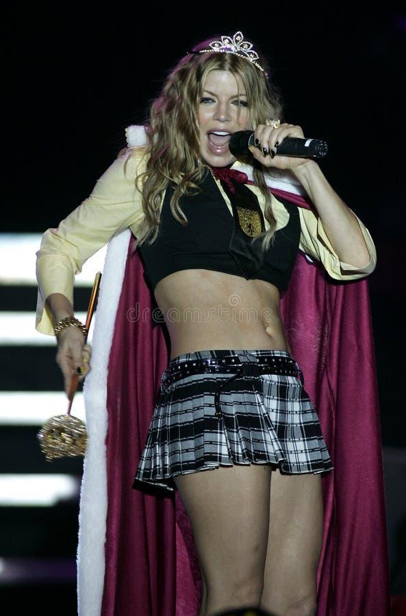 Fergie выполняет в концерте стоковые фото