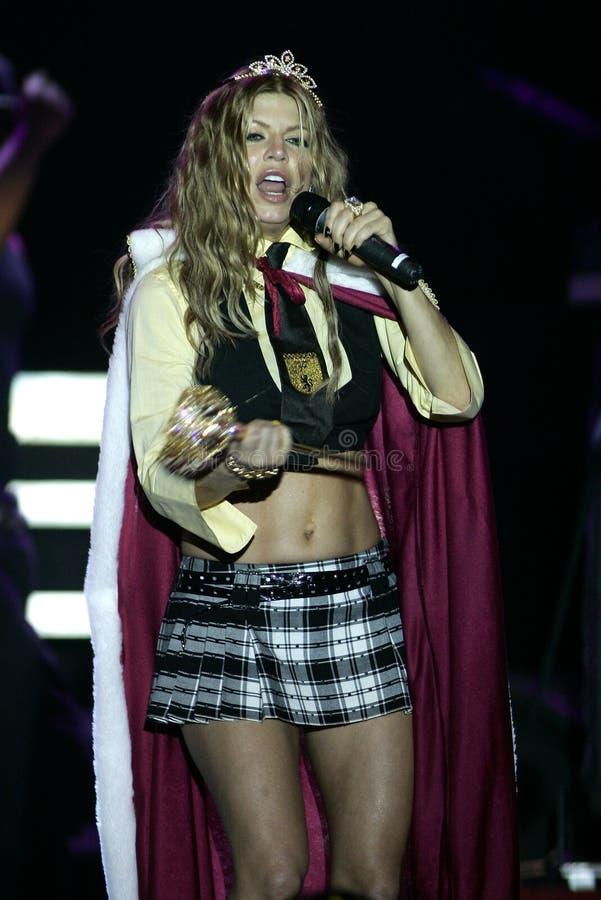 Fergie выполняет в концерте стоковое изображение