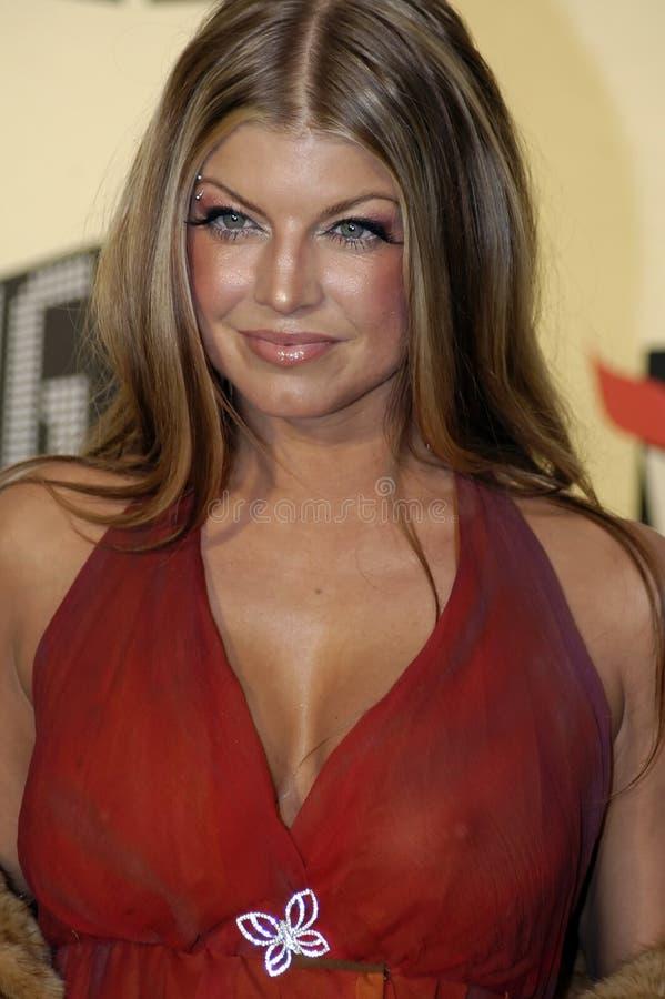 Fergie en la alfombra roja. foto de archivo