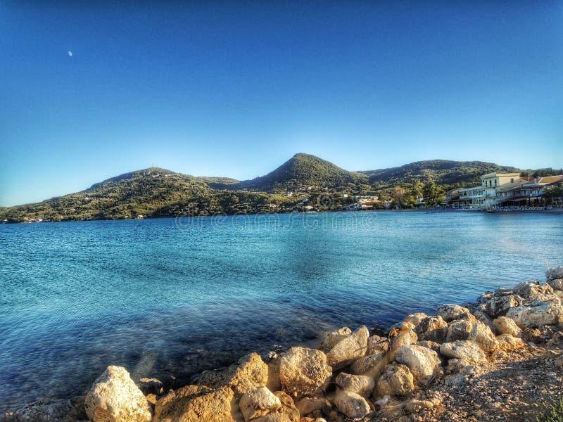 Feriado com oceano azul fotografia de stock royalty free