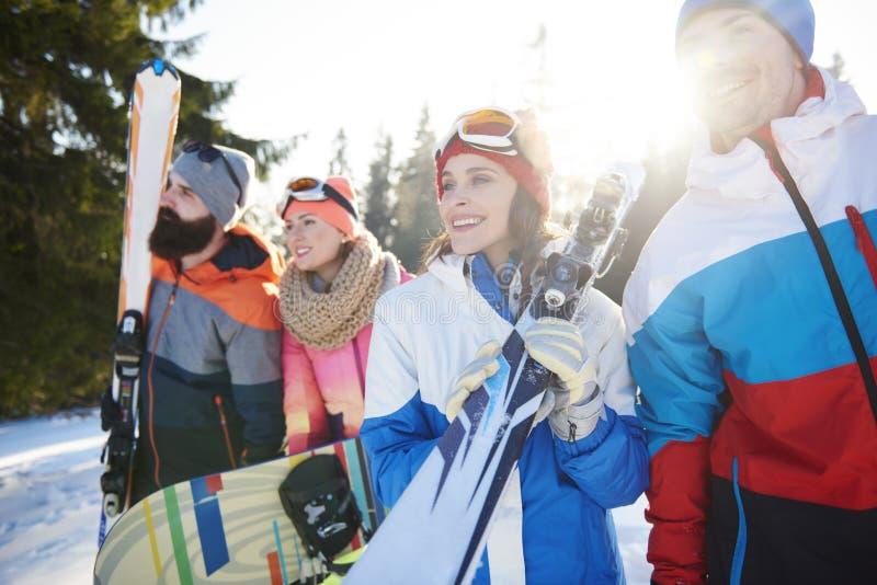 Feriado de inverno para amigos imagens de stock