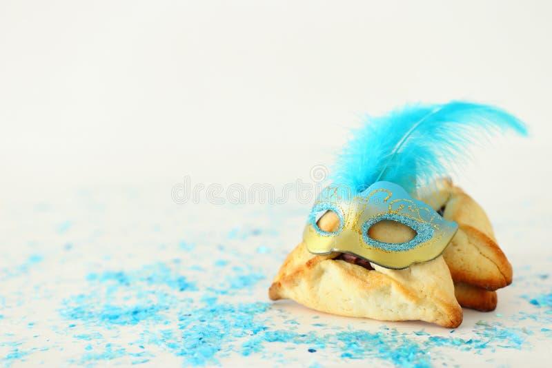 Feriado judaico do carnaval do conceito da celebração de Purim Tradicional hamantaschen cookies fotos de stock