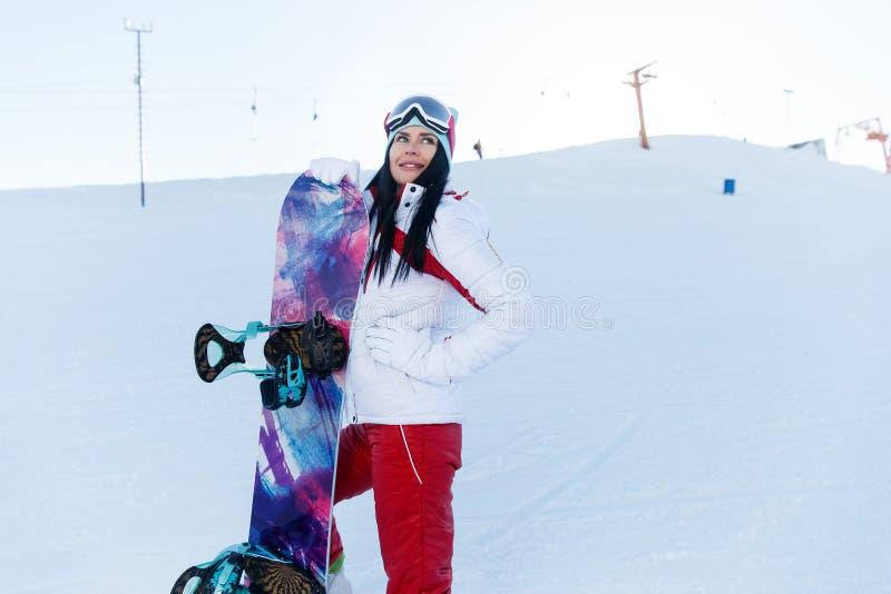 Feriados de inverno dos esportes morenos foto de stock