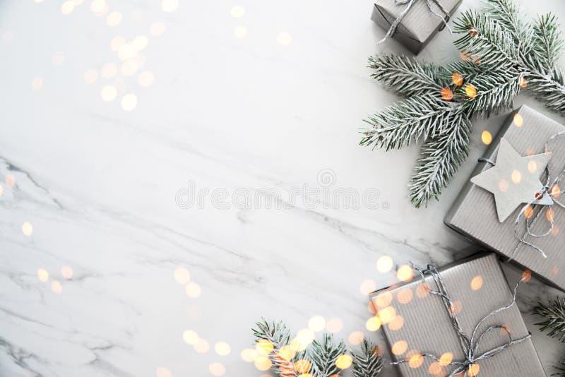 Feriebakgrund för jul och för nytt år Detaljerade 3d framför vinter för snow för pojkeferielay arkivbilder