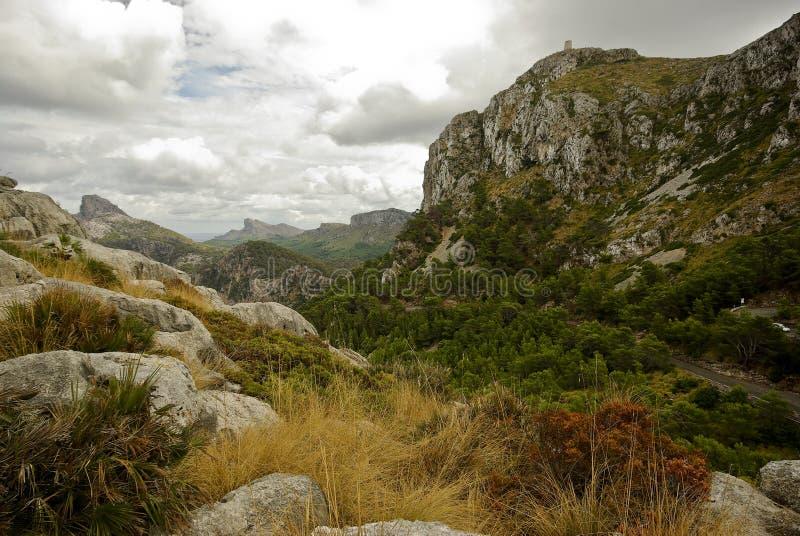 Ferien bei Spanien: Beautyful felsige Landschaft lizenzfreie stockfotografie