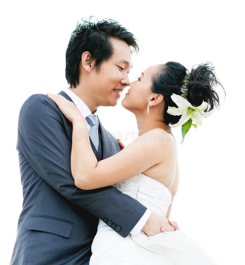 Ferien-Paare, die auf Strand gehen lizenzfreies stockbild