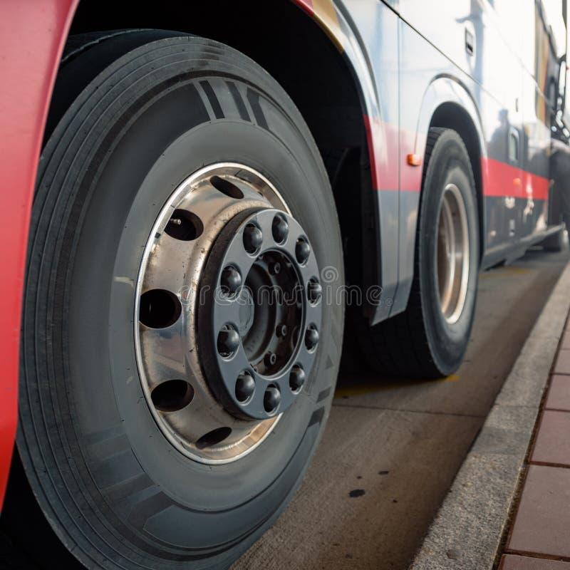 Fermata dell'autobus pubblica fotografia stock libera da diritti