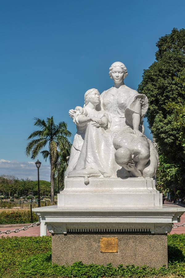 Fermeture du monument de La Madre Filipina au parc Rizal à Manille aux Philippines photo libre de droits