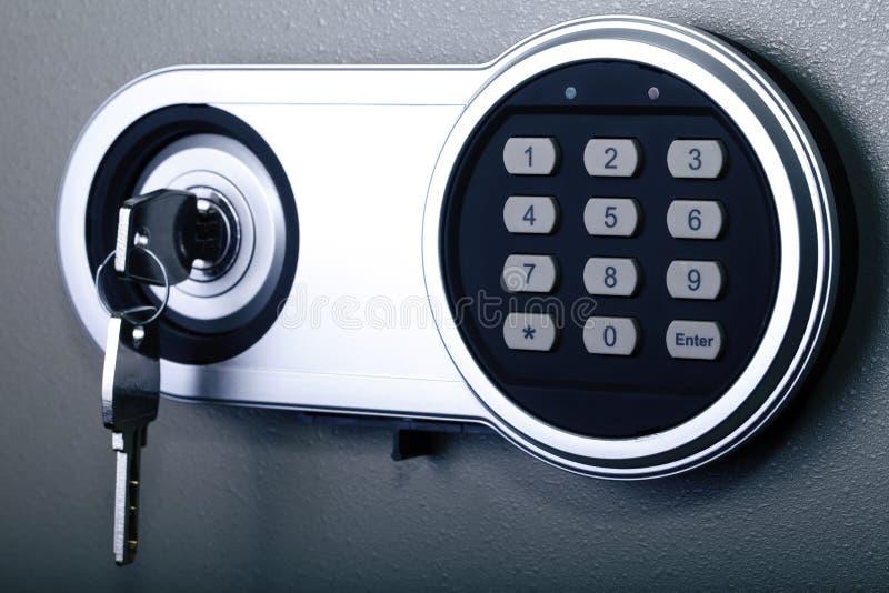 Fermez à clef, coffre-fort, banque, protection, sécurité photos libres de droits