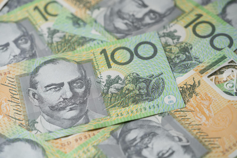 Fermez de l'Australien cent billets d'un dollar images stock