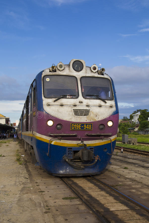 Fermez-vous d'un passager contagieux de train en Hue Railway Station images libres de droits