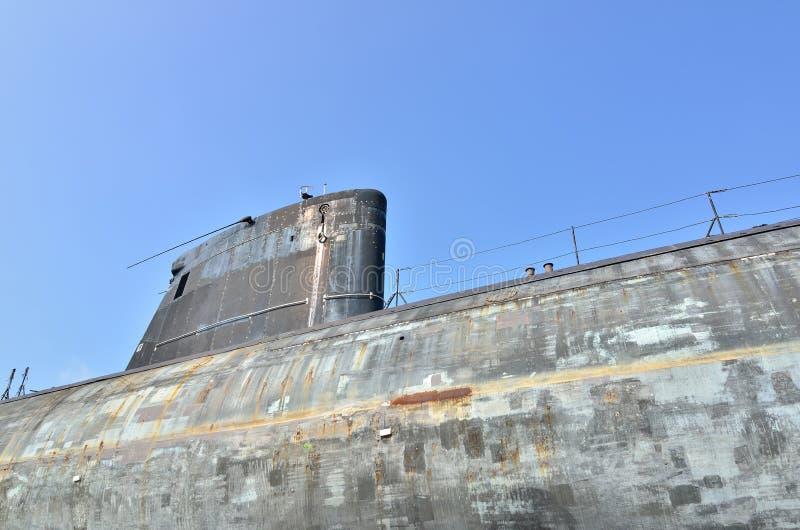 Fermez-vous d'un vieux sousmarin nucléaire images libres de droits