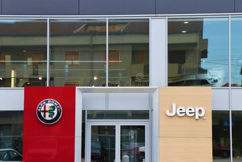 Fermez-vous d'une bannière d'Alfa Romeo image stock